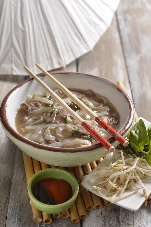 RECIPE | Quick Vietnamese beef noodle soup (pho bo)