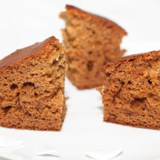 My Dutch speculaas gingerbread cake with rye, buttermilk & honey.