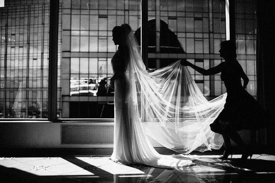 Wedding photographer Vasiliy Tikhomirov (BoraBora). Photo of 03.07.2015