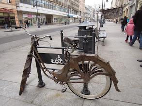 """Photo: """"Smoczy"""" rower na Piotrkowskiej"""