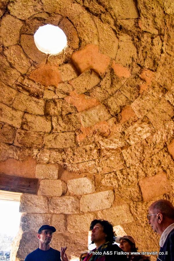 Древние бани в дворце и крепости Ирода Великого в Иродионе. Экскурсовод в Израиле Светлана Фиалкова.