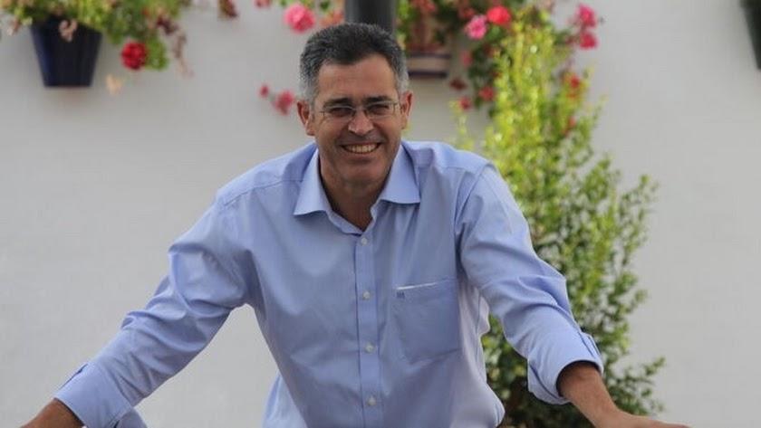 El alcalde olulense, Antonio Martínez Pascual.