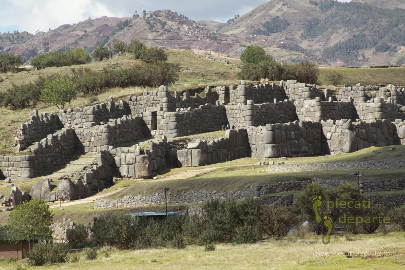 Cetatea Sacsaywaman, obiectiv turistic din Cusco, Peru