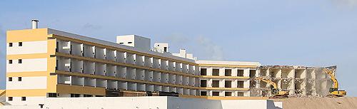 Photo: Unidade hoteleira em total remodelação (foto Carlos Tiago)