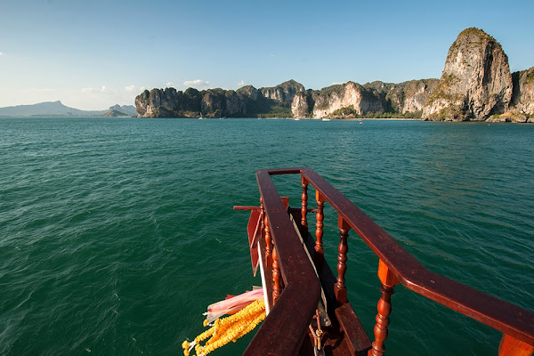 Cruise towards Railay Beach
