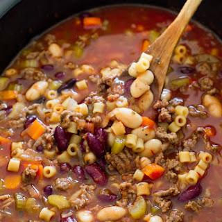 Slow Cooker Pasta e Fagioli Soup