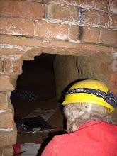 Photo: Erdstallvermessung Gaweinstal am 2.11.08. Edith Bednarik bei der Vermessung. http://erdstall.heim.at
