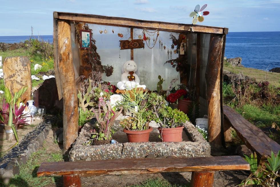 Grave at the Hanga Roa cemetery