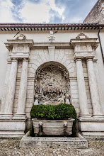 Photo: Fountain in the internal courtyard of Villa d'Este in Tivoli, Lazio, Italy