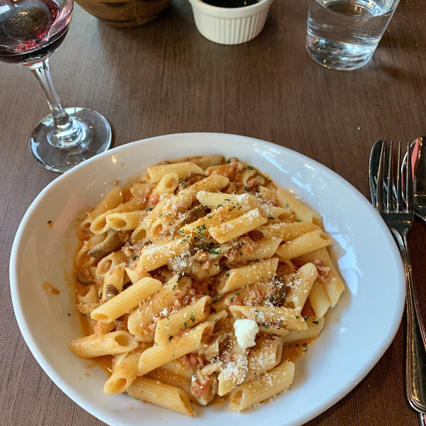 Gluten-free penne with Bencotto sauce.