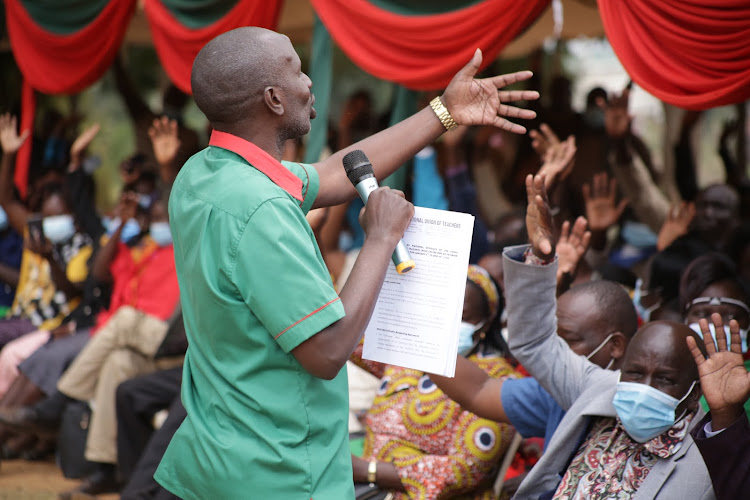 KNUT National Secretary General Wilson Sossion addressing teachers during the union's branch elections at Visa Oshwal primary in Kabarnet town, Baringo Central on Saturday.