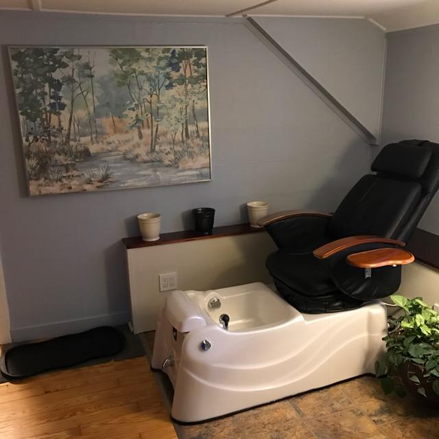 Salon Renu & Co. image