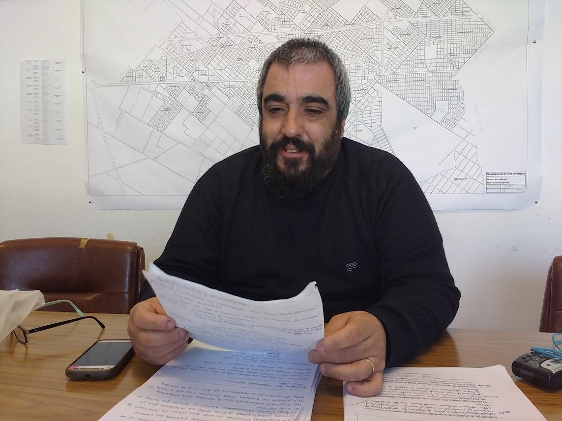 Carlos Paz criticó al oficialismo por los aumentos y por aprobar la tasa de combustibles