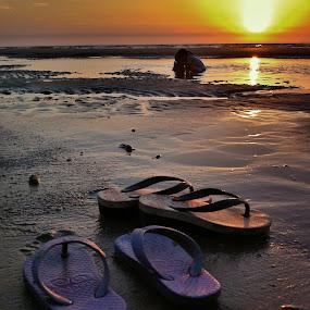 by Zulhazman Ha - Instagram & Mobile iPhone ( sunset, beach )