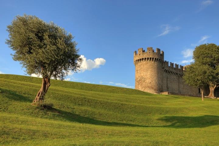 Castello Montebello di Ticino-Joana