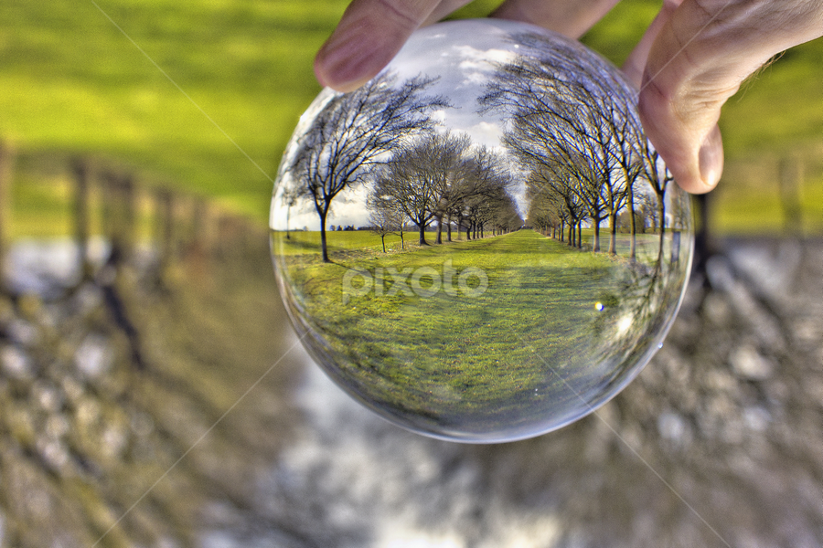 by Mike Ross - Artistic Objects Glass ( crystal ball )