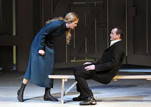 Photo: WIEN/ Volksoper: DIE VERKAUFTE BRAUT von Bedrich Smetana. Inszenierung: Helmut Baumann. Premiere am 17.2.2013. Caroline Melzer,  Matthias Klink. Foto: Barbara Zeininger.
