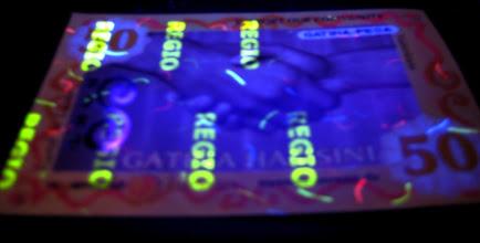 Photo: UV security layer with fibers on Gatina Hamsini