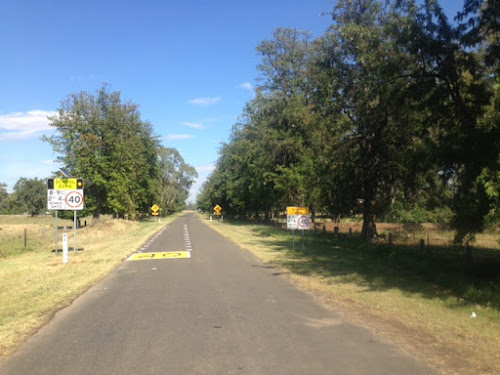 Maules Creek Memorial Avenue, which runs from Fairfax Public School to the Maules Creek Hall.