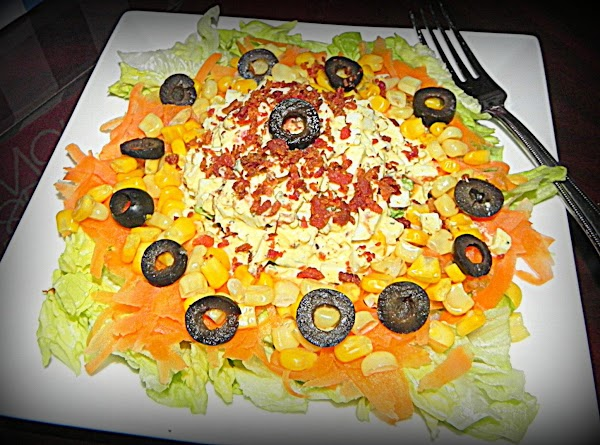 Here is your finished salad and you are ready to eat.