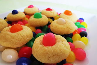 Photo: Jelly Bean Sugar Cookies - Sweet, crispy on the outside and slightly chewy on the inside sugar cookie, topped with a Jelly Bean.  http://www.peanutbutterandpeppers.com/2012/03/26/jelly-bean-sugar-cookies/  #jellybeans   #sugarcookies   #jellybeancookies   #Eastercookies   #easterrecipes   #cookierecipes