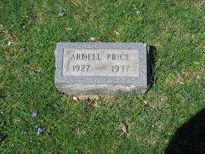 Photo: Price, Ardell