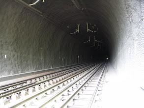 Photo: De witte stip boven de rechterails is de uitgang.