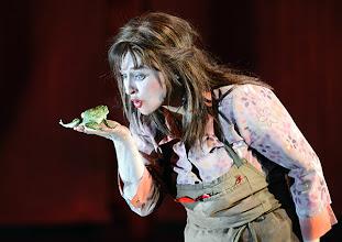 Photo: WIEN/ Akademietheater: DER TALISMAN von Johann Nestroy. Premiere 2. März 2013. Inszenierung: David Boesch. Regina Fritsch. Foto: Barbara Zeininger.