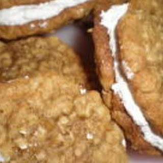 Homemade Little Debbie Oatmeal Cream Pies