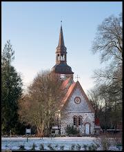 Photo: Die Dorfkirche Semlow ist eine aus dem Anfang des 13. Jahrhunderts (ca. 1220) stammender Sakralbau in Vorpommern und gehört zu den ältesten Feldsteinkirchen im unteren Recknitztal.  Fotogalerie mit unseren Dorfschönheiten: goo.gl/831CzD