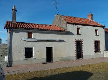 maison à Cersay (79)
