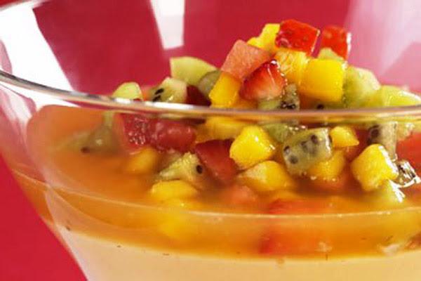 Salada de Frutas com Creme