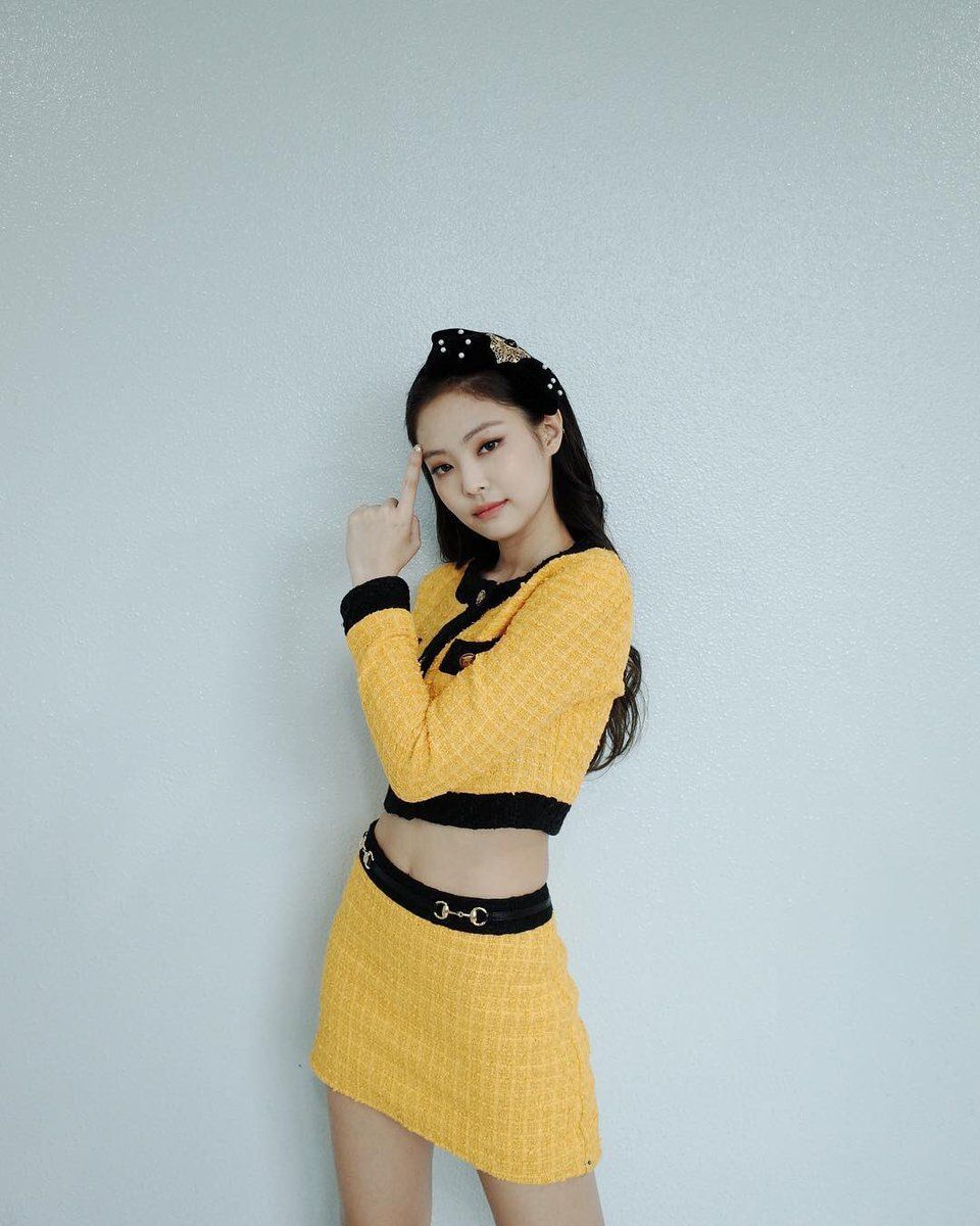blackpinkrainbow_yellow_jennie