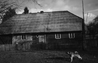 Photo: 1948 m. nacionalizuota I. Stropaus sodyba, 1954-1964 m. – mokyklos bendrabutis. Fotografavo 1966 m. mokyklos fotobūrelį lankę mokiniai, vadovaujami Vytauto Palenskio. Nuotrauka iš mokyklos archyvo