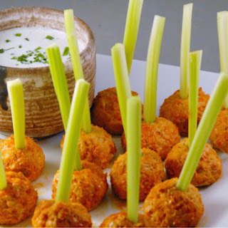 Skinny Buffalo Chicken Meatballs with Greek Ranch