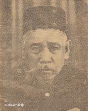 Photo: Andi Patotori Petta Datu lahir tahun 1886 di Bone, putra Raja Bone ke 29 Andi Banri Datu Citta dengan Andi Bangkung Magguliga Karaeng Popo Arung Palakka. Andi Patotori saudara kembar dari perempuan Andi Besse Apala Daeng Bau. Andi Patotori dimakamkan di Pekuburan Arab Makassar. http://nurkasim49.blogspot.com/2011/12/iii.html