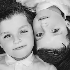 Twinning by Vix Paine - Babies & Children Child Portraits ( identical, twins, same, brothers, black and white, family, brother, twin, same eyes )