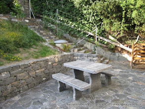 "Photo: Calanca Tisch ""Grotto"" Oberfläche naturgespalten, Kanten roh gebrochen -  140 x 80 cm - Kundenwunsch Dicke 7-8 cm"