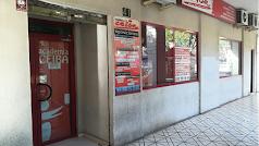 La Academia Ceiba está situada en la Avenida del Mediterráneo frente a Carrefour