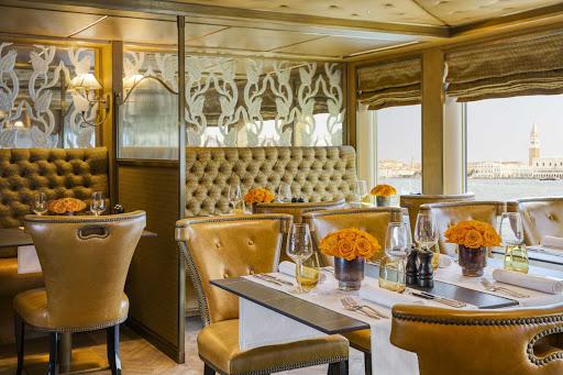 ss-la-venezia-Ristorante-Rialto2.jpg - Rialto's is the main dinner venue on Uniworld's luxury river ship S.S. La Venezia.