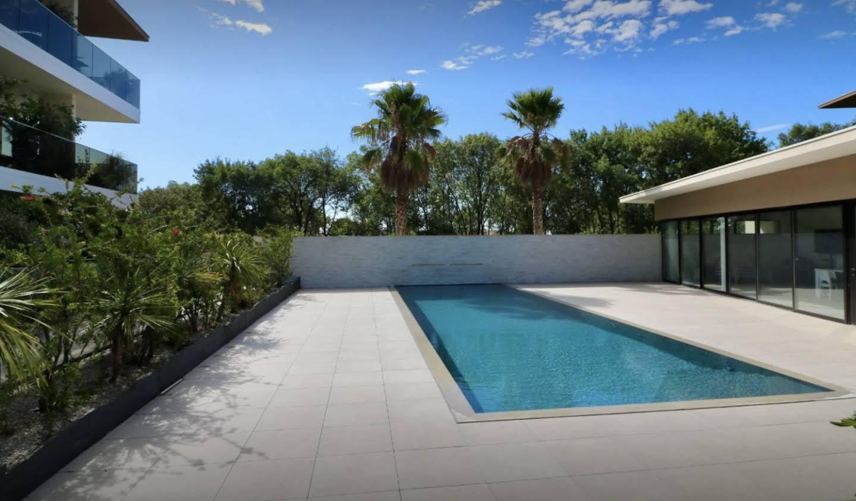Appartement contemporain avec terrasse et piscine Lattes