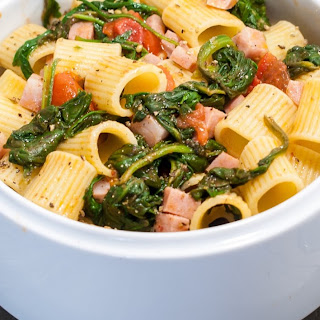 Pasta with Baby Spinach, Tomatoes and Italian Sausage.