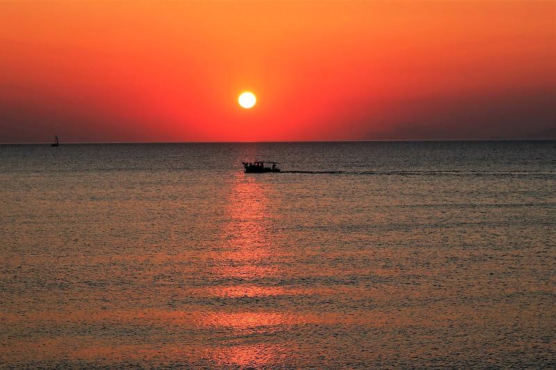 Il sole sorge ancora di paolo-spagg