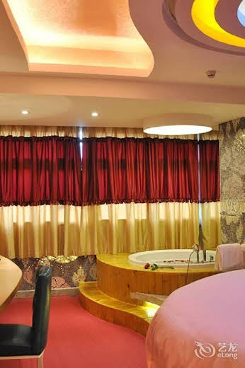 Meijng Bay Hotel