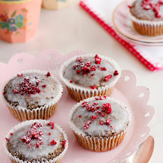 Poppy seeds, Raspberry and Chia Muffins.