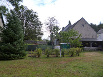maison à Saint-Amandin (15)