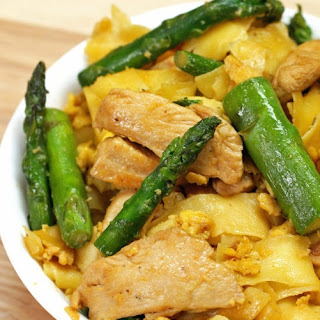 Chicken & Egg Stir-Fry Noodles #Recipe