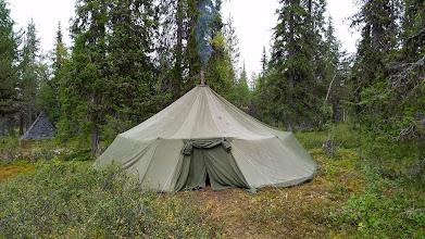 Kuva: Kemihaaran Loman teltta, hyvä illanistujaispaikka ja hyvä varusteiden kuivatukseen
