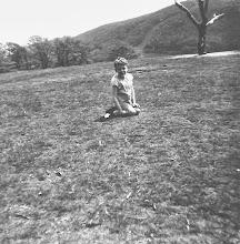 Photo: 1964 in Hagen (auf dem Goldberg beim Purzelbaum-Schlagen vor einem Kletterbaum)