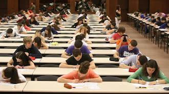 Los estudiantes comienzan los exámenes el próximo martes.